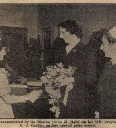Lady Radnor shakes nurses hand