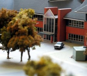 Model of main entrance showing much smaller canopy than was built